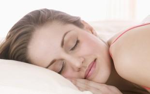 Naj vas naravni pomočniki zazibajo v spanec