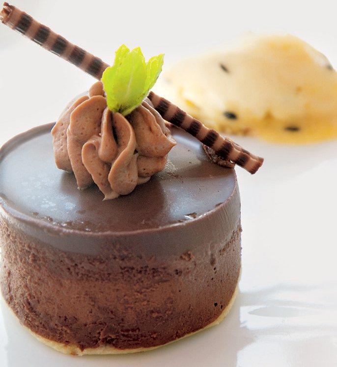 Mousse au chocolat s čokoladnimi ostružki
