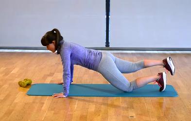 Izziv s Hano Verdev: Nadgrajujemo vaje za zgornji del telesa (2. teden)