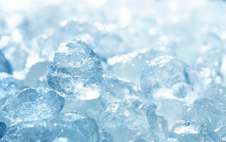 Led za lajšanje bolečin in zmanjševanje oteklin: Da ali ne? (foto: Profimedia)