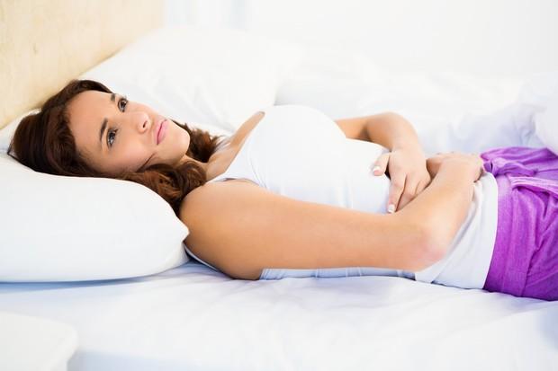 PREKRATKA ALI PREDOLGA V medicinskih knjigah je zapisano, da je dolžina ciklusa 28 dni. Dejansko se menstruacija zelo redko drži …