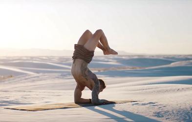 Video za inspiracijo: Jogij v puščavi