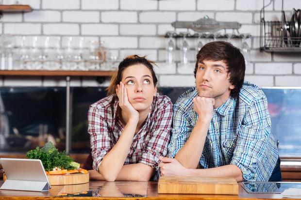 KAKO POMEMBNI SO V RESNICI TOPLI OBROKI? Takoj ko je kuhano ali pečeno, moramo že biti za mizo in jesti! …