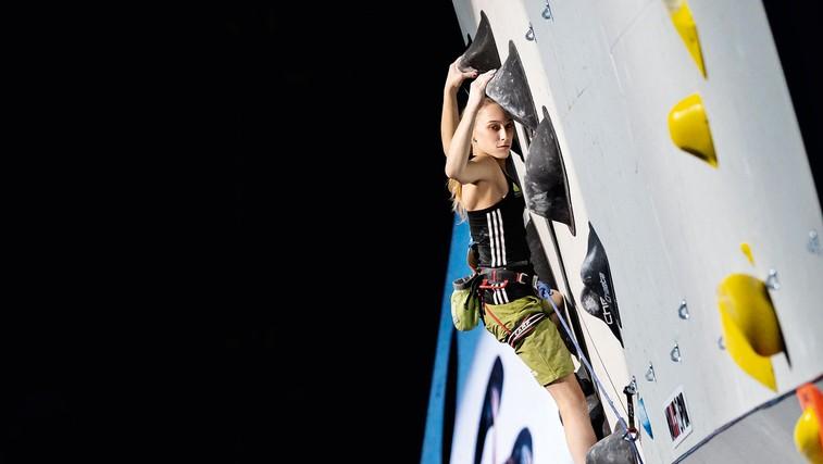 Janja Garnbret: Športna plezalka, ki je pri 17 letih zasenčila vso svetovno plezalno sceno (foto: Luka Fonda)