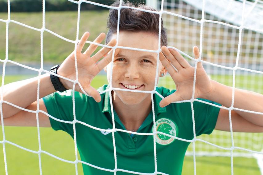 Lucija Grad: Zakaj na nogomet? Zaradi družbe, gibanja na zraku in kolektivnega duha