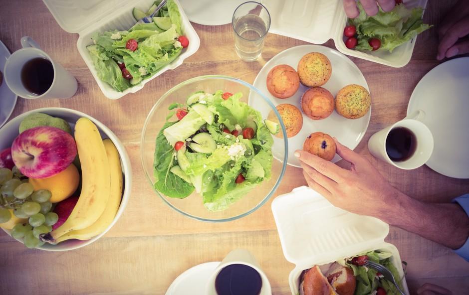 Nutricisti razkrivajo, kaj jesti za kosilo, da bi izgubili težo (foto: Profimedia)