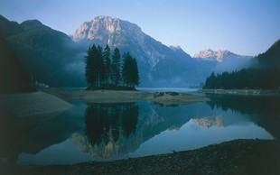 Slovenske pripovedke: Kako je nastalo Rabeljsko jezero?