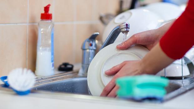 Kako pogosto bi morali umivati, čistiti in prati rjuhe, modrčke, lase ...? (foto: Profimedia)