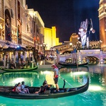Las Vegas, kičasta kopija Benetk. (foto: Aleksander Leon Cvikl, Shutterstock)