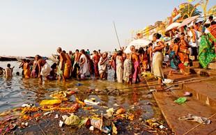 Blišč v bedi: Iskreno o vtisih s potovanja po Indiji
