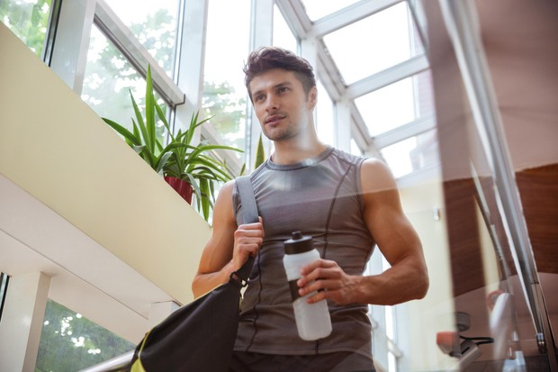 NE POZABITE NA VODO Med vadbo (še posebej, če tečemo) včasih pijemo bolj malo, če sploh kaj. Zato je nujno, …
