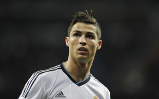 Kitajske oblasti napovedale boj nenormalnemu trošenju denarja za nogometne prestope