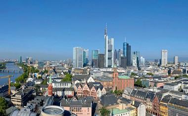 Frankfurt: Evropski Manhattan z muzejskim bregom in največjim knjižnim sejmom