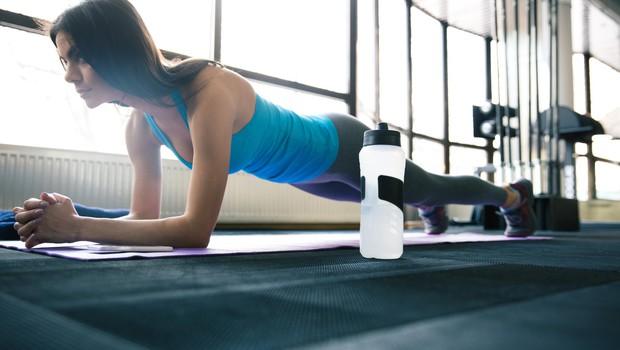 To se bo zgodilo, če boste plank izvajali vsak dan (foto: Profimedia)