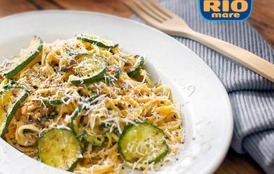 Špageti Carbonara s tunino in bučkami