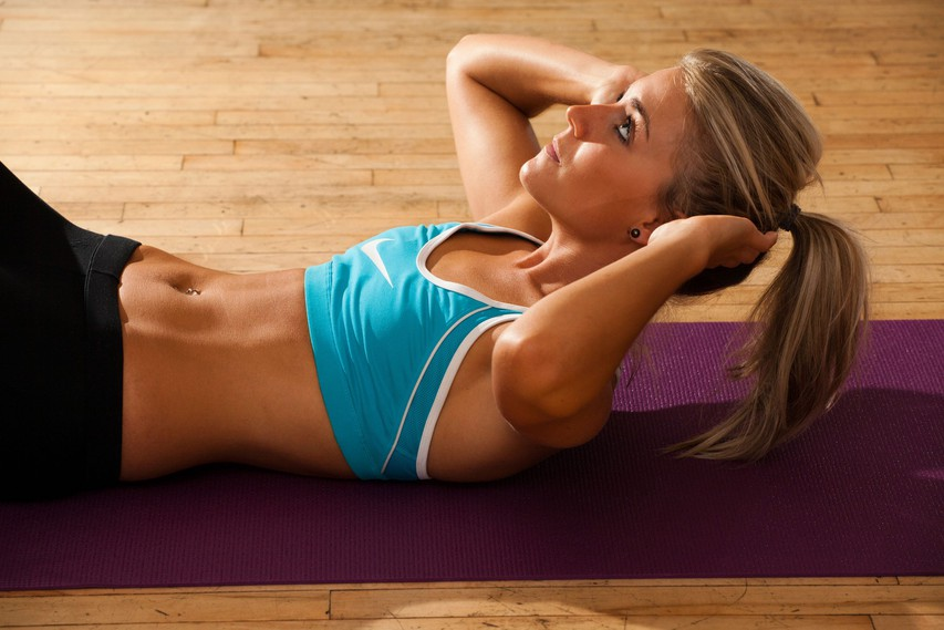 Vaja za trebušne mišice, ki jo morate začeti izvajati že danes