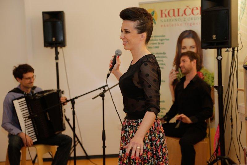 nastop Vesne Zornik, Roberta Rebolja in Mihe Pinteriča