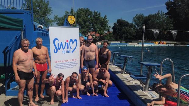 Bi se pomerili na rekreativni plavalni tekmi? To soboto bo v Ljubljani nočna tekma 'Swim To Live'! (foto: ŠD Riba)