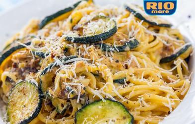 VIDEO: Slastni špageti Carbonara s tunino in bučkami