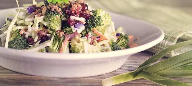 mesana-solata-brokoli-cvetaca