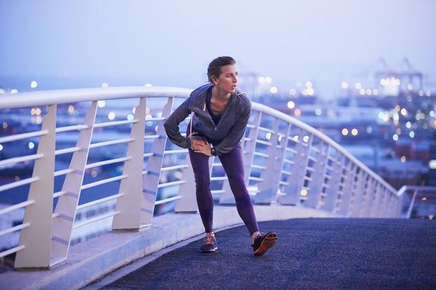 Izboljšate hitrost Ko v trening vključite hitrost, so se noge primorane premikati hitreje. Če vztrajate dovolj dolgo, z veliko vaje …