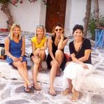 Štiri mamice (Tina, Urša, Cica in Ira), ki blogajo o potovanjih z mulci (foto: Osebni arhiv)