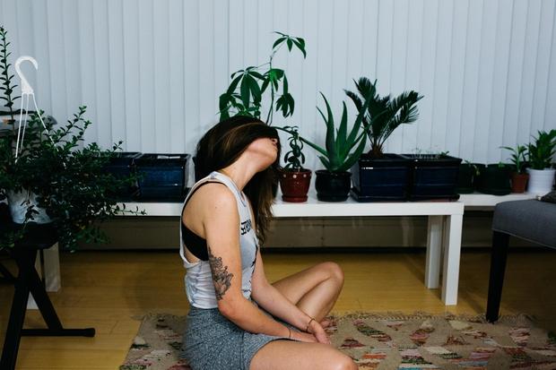 """""""Joga ni zame, ker sem čisto zategnjen/-a"""" in druge zmotne predstave o jogi (foto: Unsplash/Lena Bell)"""