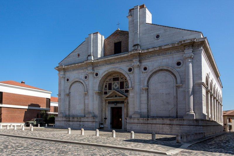Malatestianov tempelj, Rimini, Italija