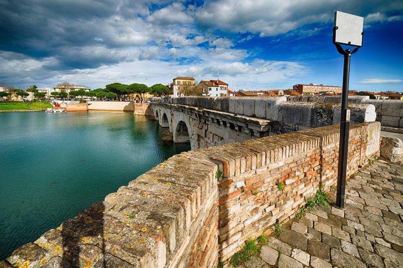 Tiberius bridge/Bridge of Augustus, Rimini, Italia