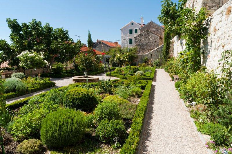 Samostan, Šibenik
