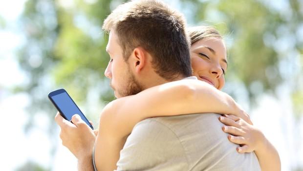 9 znakov, da je vaš partner obseden z nadzorom (foto: Profimedia)