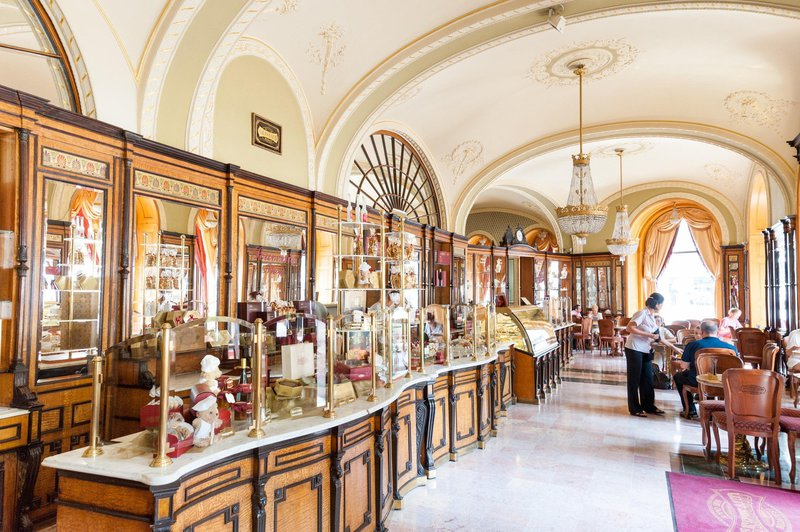 Kavarna Gerbeaud, Budimpešta