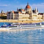 Budimpeški parlament se bohoti kar 268 metrov vzdolž reke Donave. (foto: Profimedia)