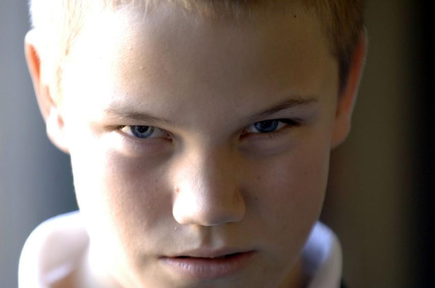 Kako zgodaj lahko opazimo, ali imamo opravka s psihopatom  (in kako lahko to preverimo)