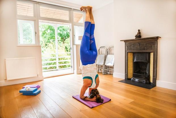»Za jogo moram biti raztegljiv/a in fit.« Obstaja več vrst joge, ki so namenjene različnim tipom ljudi. Ni vse v ...