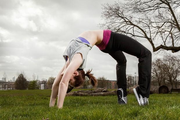 Primarni cilj joge je vzdržljivost in fizična moč Za nekatere trditev drži in so fizične koristi povsem dovolj, za vse, …
