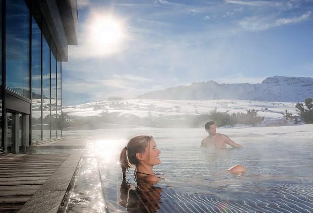 Kjer se toplice srečajo z vrelcem: Aqua Dome na Tirolskem