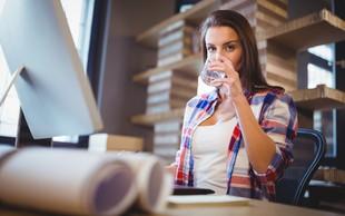 Koliko tekočine spijete na delovnem mestu?