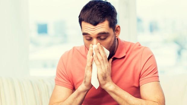 Kaj morate najprej storiti, ko začutite, da se vas loteva prehlad? (foto: Profimedia)