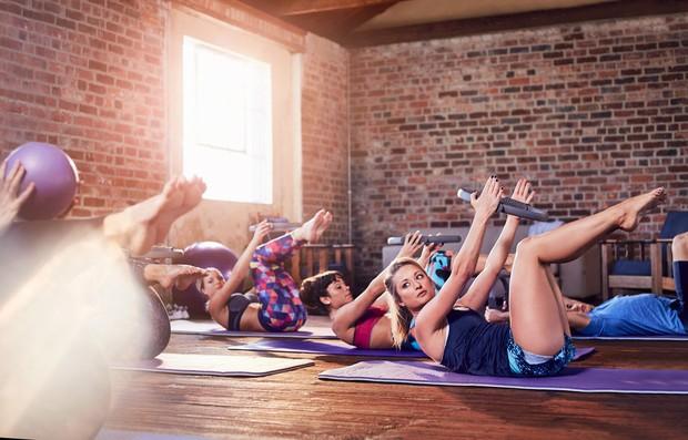 Ker je popoln paket. Mnogi menijo, da pilates ni »prava športna aktivnost«, saj ne povzroča problemov vašim sklepom in se ...
