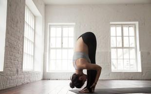 4 jogijski položaji, s katerimi premagate praznično napihnjenost