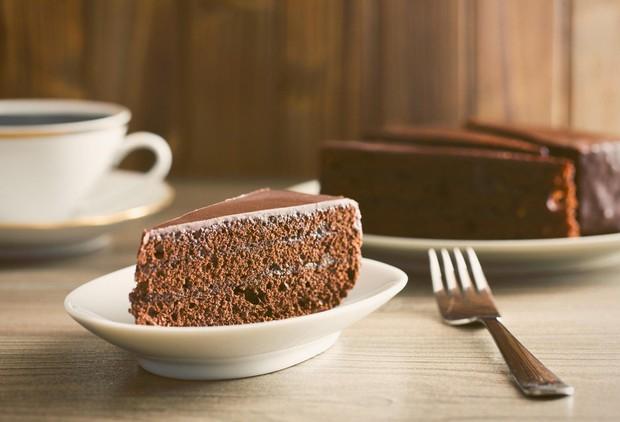 Sacher torta: Sočna in čokoladna