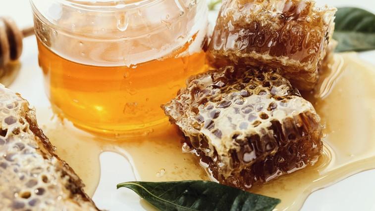 Sirupi za lajšanje bolečin v grlu in proti kašlju, ki jih lahko pripravite doma (foto: Profimedia)