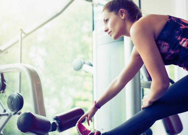 PEKOČE MIŠICE Med treniranjem mišice doživijo majhne poškodbe, ki se zacelijo med počitkom in okrepijo ter pripravijo za naslednjo vadbo. …