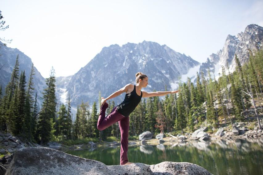 Katera jogijska vaja pomaga v boju proti celulitu?