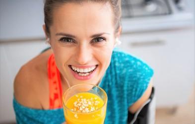 Napitek iz 4 sestavin, ki topi maščobo in očisti črevesje