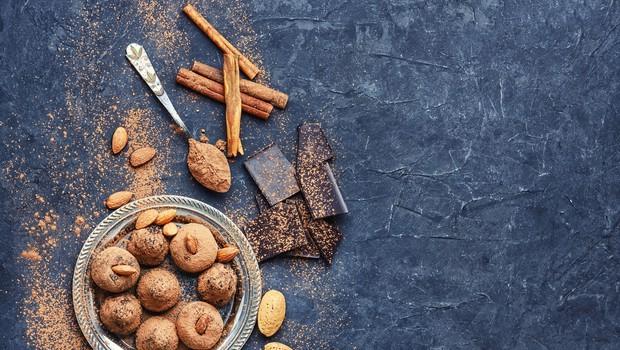 Recept: Medene kroglice z mandlji (foto: profimedia)