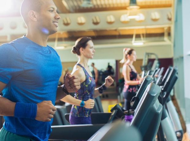 """Fizična aktivnost Gibanje zelo pripomore k dvigu """"dobrega"""" holesterola, zato ga skušajte vključiti v svoj dan bolj pogosto. Obenem boste …"""
