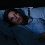 Ne silite se k spanju  Kadar se silite k spanju in razmišljate, da morate zjutraj zgodaj vstati ter premlevate naloge prihodnjega dne, naredite več škode kot koristi. Ponovno ste napeti, in ker se ne morete sprostiti, ne boste zlahka zaspali. Če še niste zaspani, poskusite meditirati ali početi aktivnosti, ki vas sproščajo. Lahko se odpravite tudi na kratek sprehod, ki bo skoraj zagotovo pomagal, da boste končno zatisnili oči. Izogibajte se telefonu, televiziji in drugim elektronskim napravam, za katere je priporočljivo, da jih izklopite vsaj pol ure pred spanjem. (foto: profimedia)