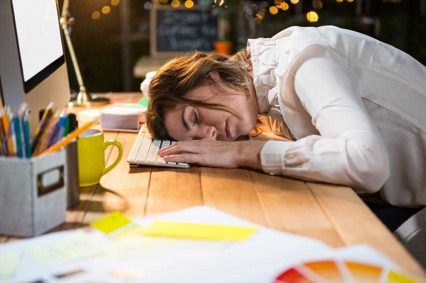 Kronična utrujenost: 7 razlogov, zakaj se ne zbudite polni energije